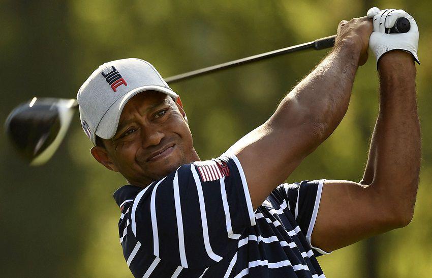 Tiger Woods sufre lesiones graves en una pierna al estrellarse en su auto