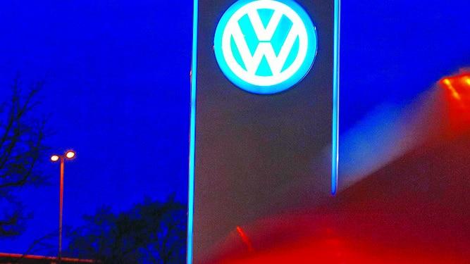 VW investiga más autos trucados