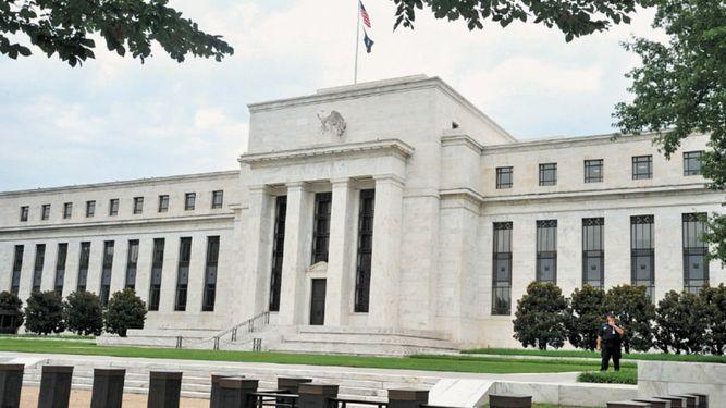 La FED defiende nueva alza de tasas