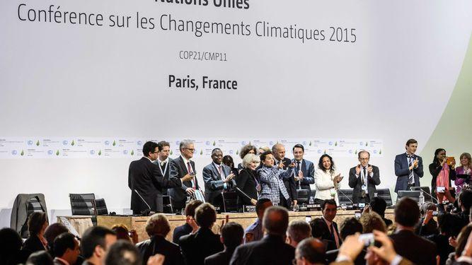 Histórico acuerdo contra el cambio climático une a 195 países