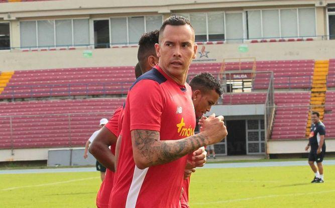 Confirmado, Blas Pérez jugará con el Árabe Unido