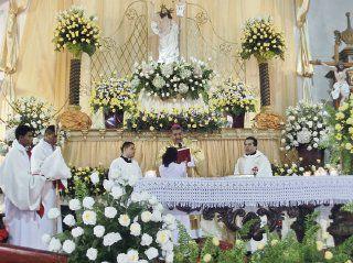 Pariteños esperan un nuevo retablo