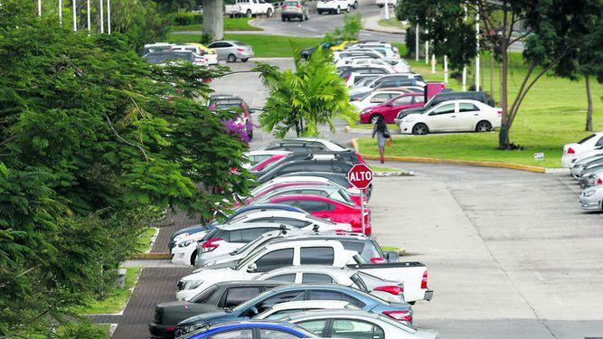 Empresarios piden veto a proyecto de aparcaderos