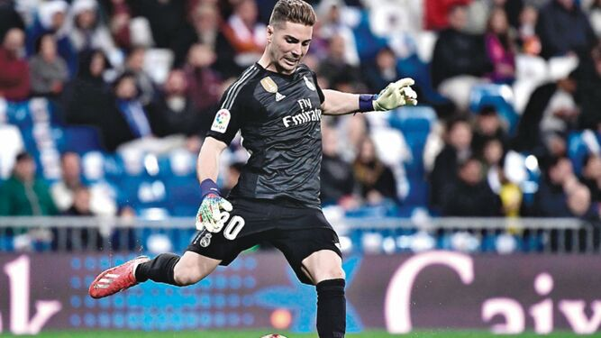 Real Madrid derrota al colista Huesca por 3-2