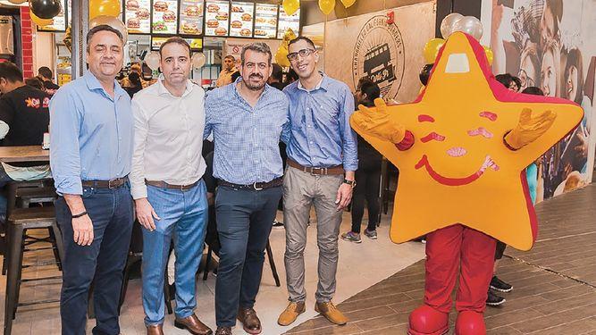 Carl's Jr. inaugura su nueva sucursal en Town Center Costa del Este