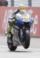 Rossi levantó la de cuadros