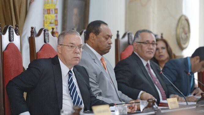 Demandan decreto municipal que aumentó varias multas