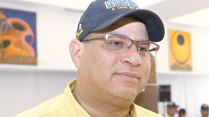 Dimitri Flores presenta recurso para impugnar proceso de recolección de firmas