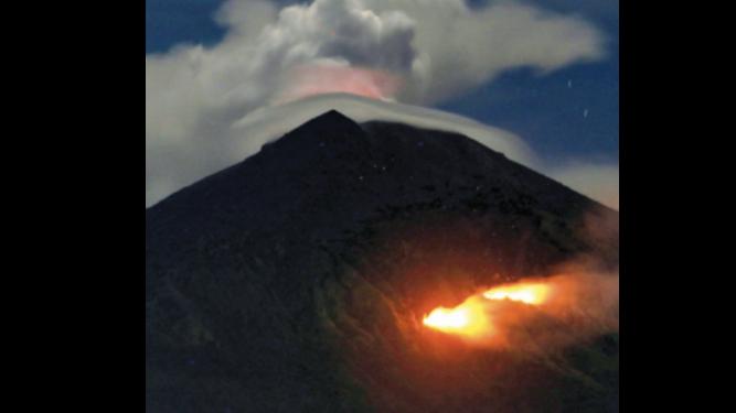 Desaparecidos por erupción volcánica en Guatemala suman 332