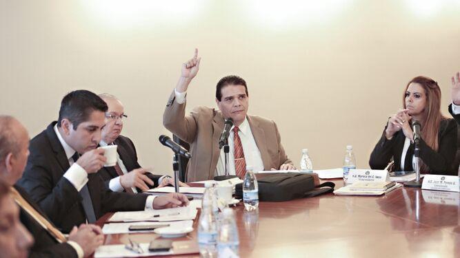 Seis denuncias contra el presidente Varela  en la Asamblea Nacional