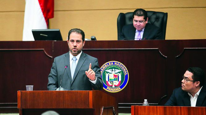 Mario Etchelecu se desliga del escándalo por fraccionamiento