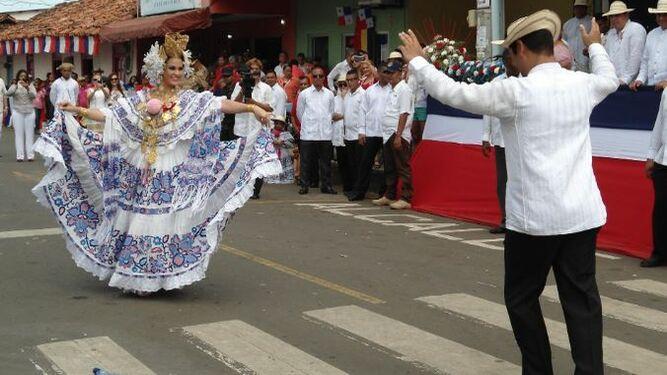 Solo delegaciones invitadas podrán participar en desfile del 10 de noviembre