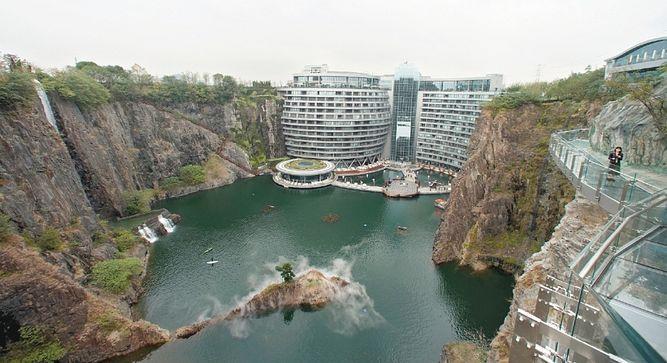 Una cantera transformada en hotel 5 estrellas en China