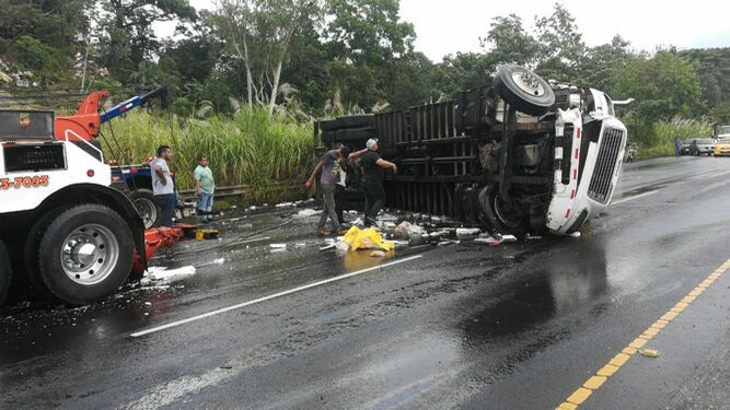 Colisión múltiple provoca 'enorme' tranque en la autopista Arraiján-La Chorrera