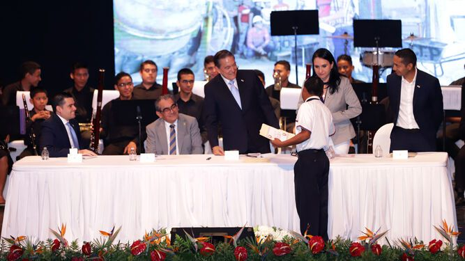 Presidente Cortizo a los jóvenes: 'No me dejen solo'