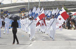 Marcha en honor a símbolos patrios