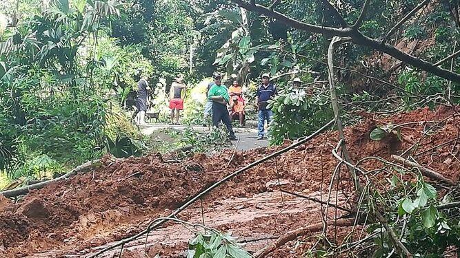 Varias comunidades afectadas por deslizamientos en La Pintada
