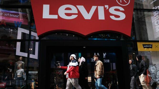 Levi's triunfa en su regreso a Wall Street