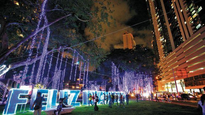 Alcaldía de Panamá licita luces para la Navidad