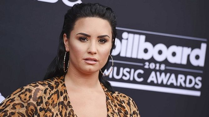 Madre de Demi Lovato dice que la estrella recibe la ayuda que necesita