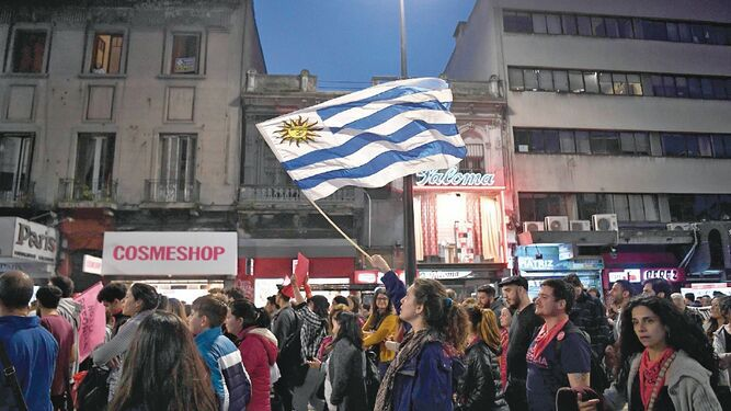 Uruguay elige hoy al sucesor del presidente Vásquez