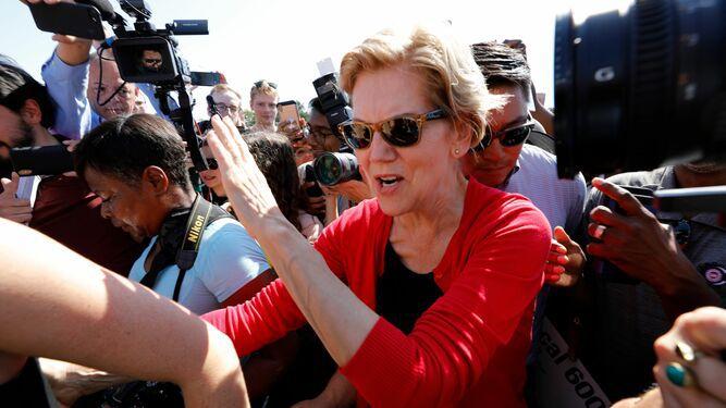 Elizabeth Warren adelanta a Joe Biden en la carrera presidencial demócrata