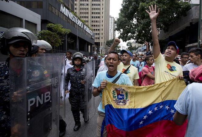 Venezuela: Henrique Capriles llama a la oposición a reorganizarse