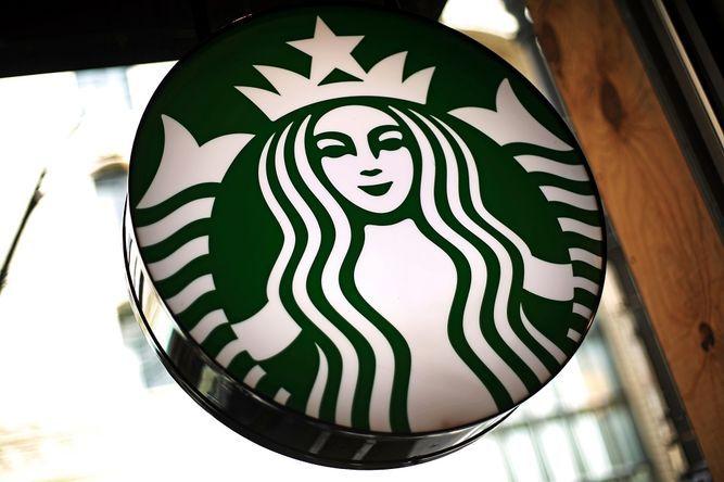 Starbucks cederá derechos en cuatro países europeos