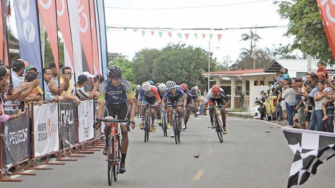 Yelko Gómez se apunta la quinta etapa de la Vuelta