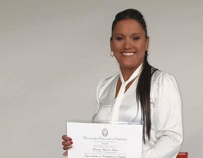 Asesinan a candidata a alcaldía y a cinco personas más en un ataque en Colombia