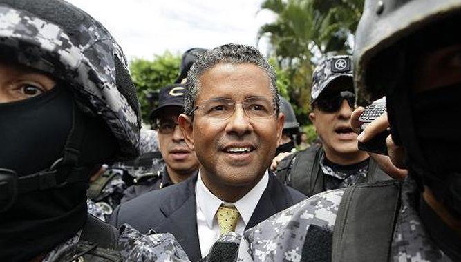 Expresidente Francisco Flores recibió fondos a través de sociedad panameña