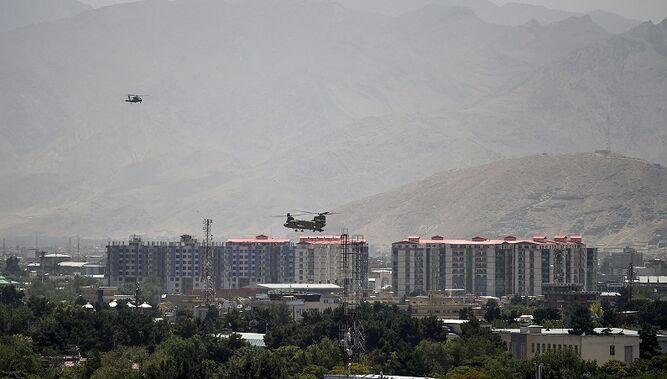 Estados Unidos y talibanes buscan allanar camino a la paz