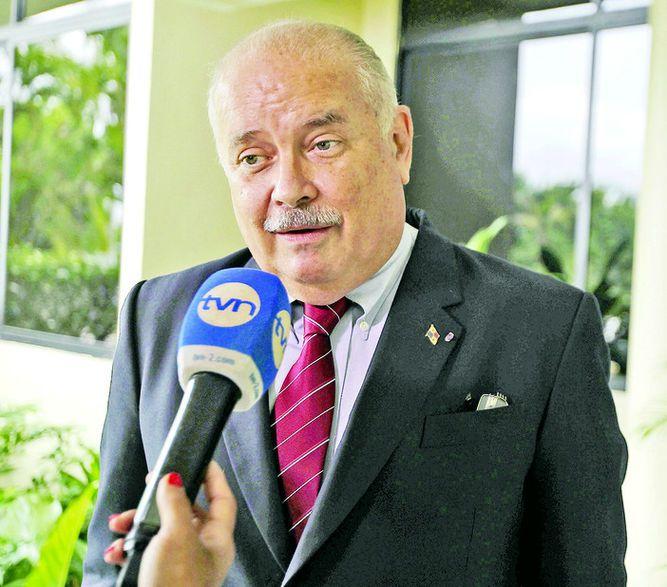 Consejo Académico mantiene suspensión de cinco años a Bernal