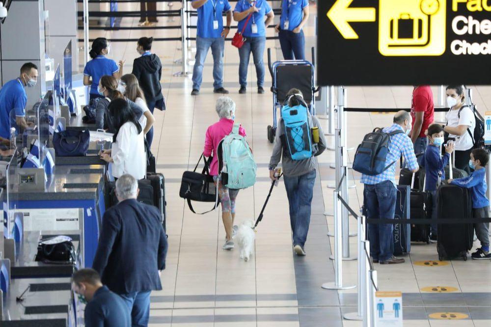 Minsa establece nuevos requisitos para viajeros que ingresen al país