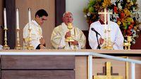 Papa pide ayuda para la familia en primera misa campal en Ecuador