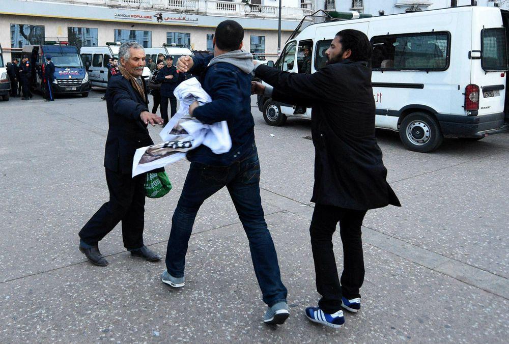 Caso Mossack Fonseca genera protestas en calles de Marruecos; policía rompe pancartas