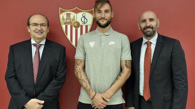 El Sevilla ficha al centrocampista serbio Gudelj