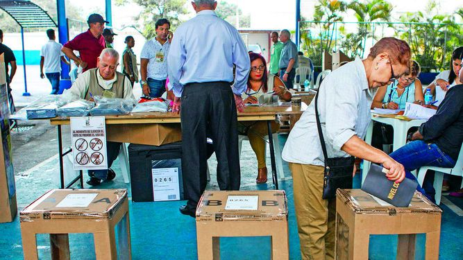 Medina lidera votación en elecciones dominicanas