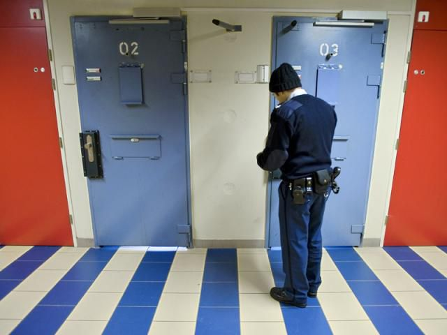 Holanda cobrará 20 dólares diarios a los presos para financiar cárceles