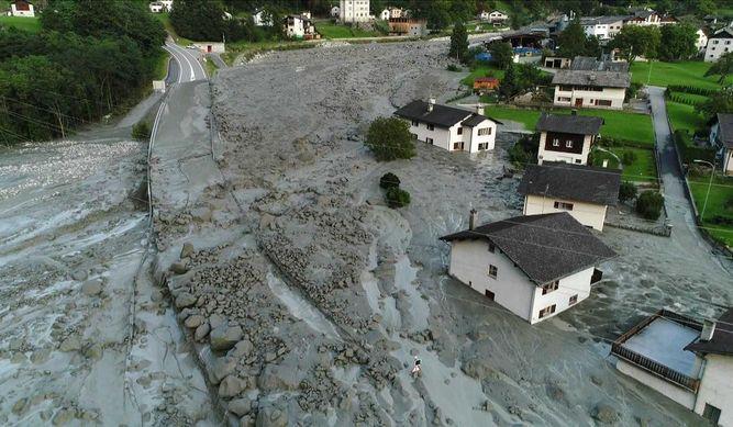 Al menos ocho desaparecidos por un alud en los Alpes suizos