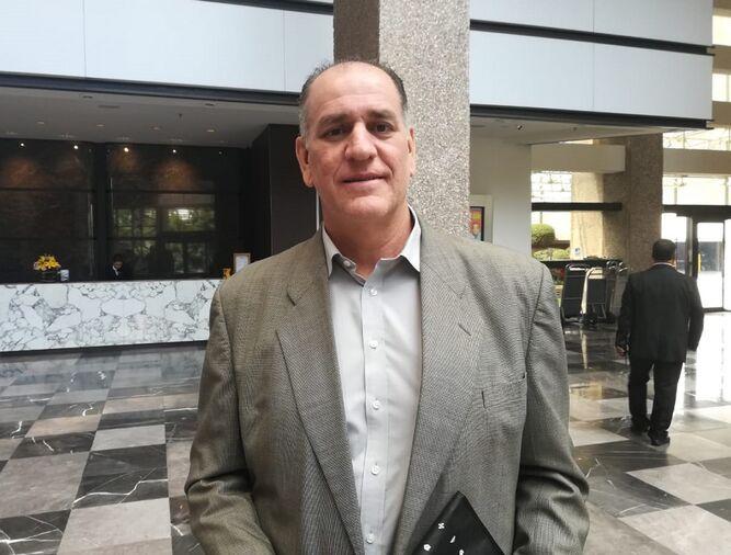 Eduardo Cerda busca convenios deportivos y de estudios en México