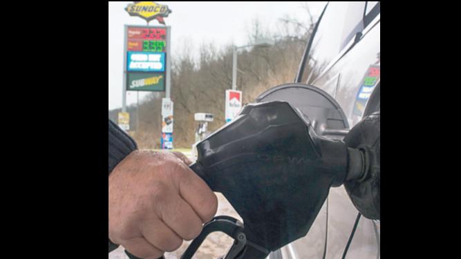 Ecuador establece precio de gasolina según mercado global