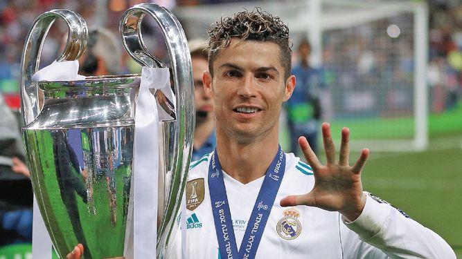 Ronaldo se pasó de copas y habló más de la cuenta
