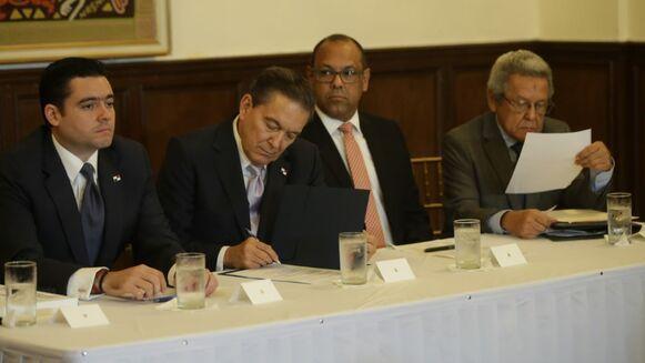 Concertación presenta paquete de reformas constitucionales al Ejecutivo; el documento será llevado este martes al Gabinete