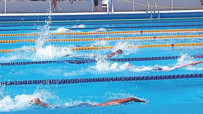 La Salle 2000 lidera torneo Delfín de Oro en la Coparropa