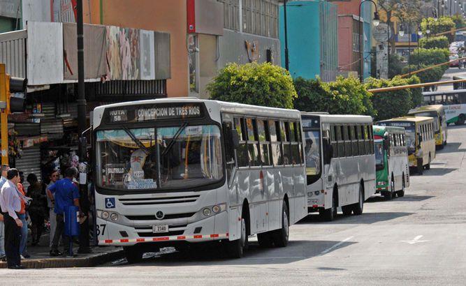 Gobierno aprueba fondos para promover imagen de Panamá en autobuses de Costa Rica