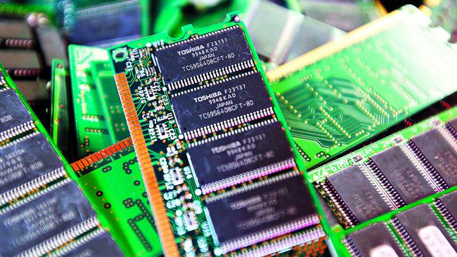 Apple, Amazon y Google, tras unidad de chips de Toshiba