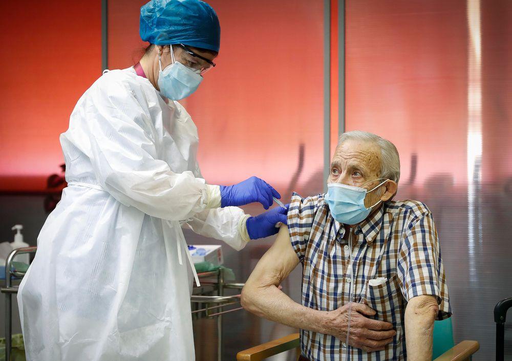 Unos 50 países ya comenzaron a vacunar contra la Covid-19