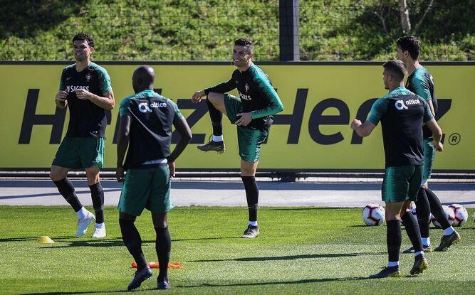 Cristiano Ronaldo vuelve a entrenar con Portugal nueve meses después