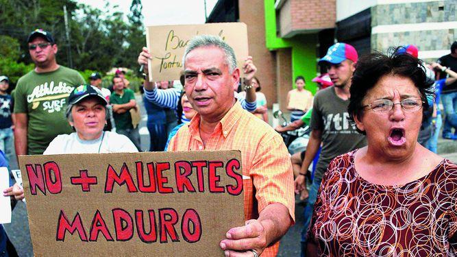 Oposición seguirá en la calle